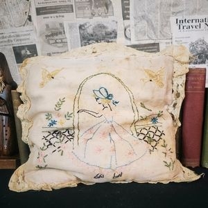 Antique Victorian edwardian early 1900s pillow!